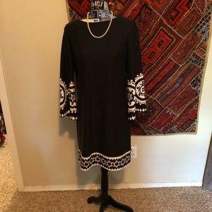 Black/white Donna Morgan long sleeve dress